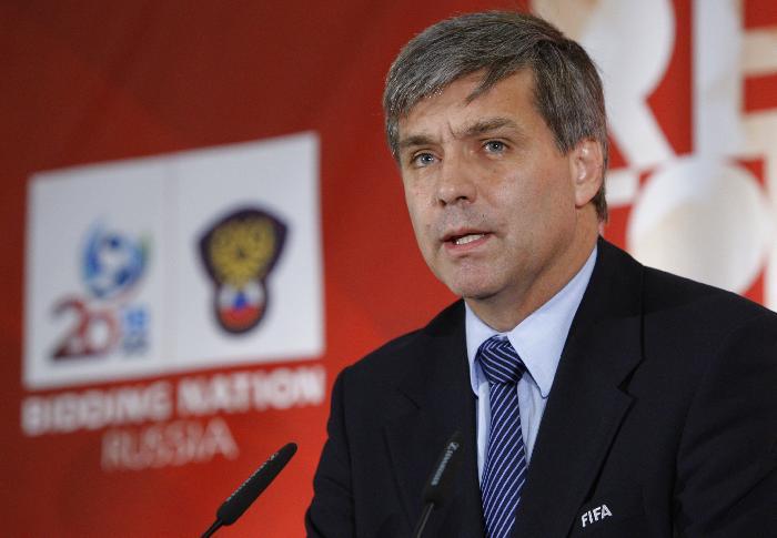 Corrupte voorzitter van de bidcommissie voor het WK 2018 en WK 2022 vroeg om gunsten