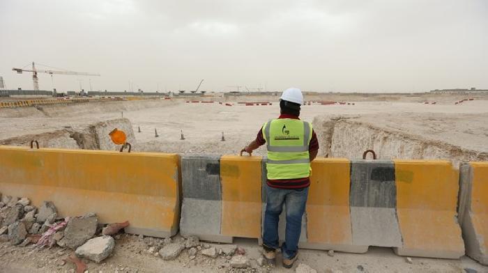 Voor het Al Rayyan Stadion is 210 000 m2 grond tot 6m diep uitgegraven